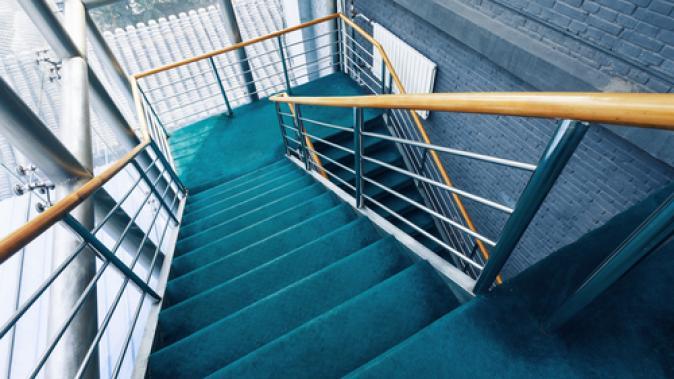 Gardes corps : sabots, pattes de fixation, ornements, supports de rampe d'escaliers Dejoie
